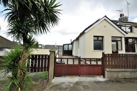 4 bedroom semi-detached house to rent - Dracaena Avenue, FALMOUTH