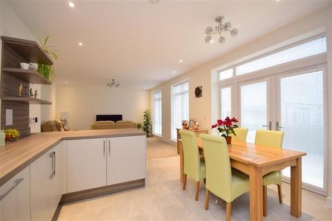 2 bedroom semi-detached bungalow for sale - Aspen Way, Hawkinge, Folkestone, Kent