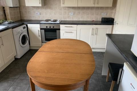4 bedroom house to rent - Luton  LU1