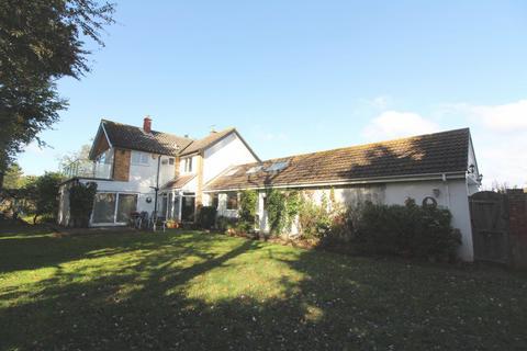 4 bedroom detached house to rent - Lowestoft Road, Gorleston, NR31