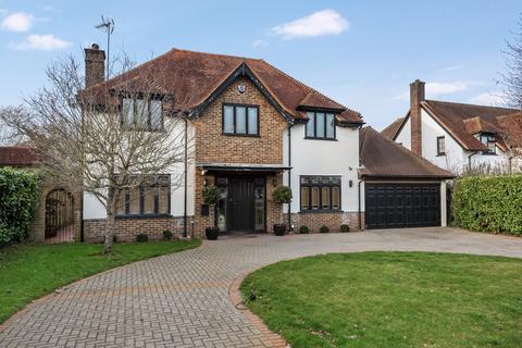 5 bedroom detached house to rent - Meadow Way Farnborough Park BR6