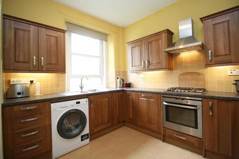 2 bedroom ground floor flat to rent - Northfield Avenue, Edinburgh EH8