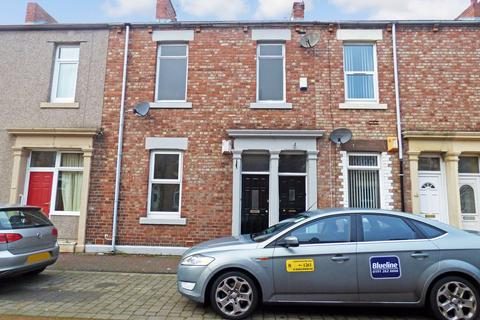 2 bedroom ground floor flat - Seymour Street, North Shields, Tyne and Wear, NE29 6SN