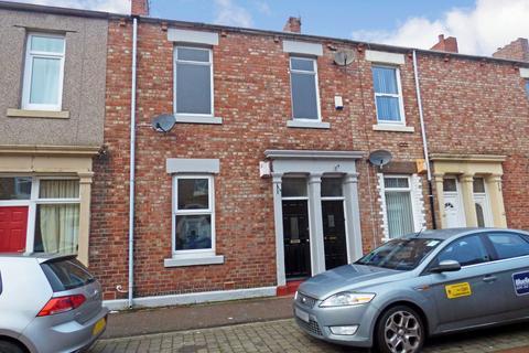 3 bedroom flat for sale - Seymour Street, North Shields, Tyne and Wear, NE29 6SN