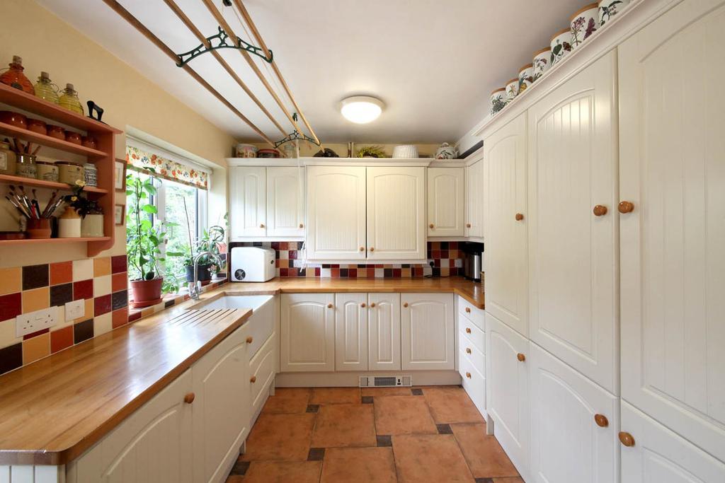 5 bedroom property to rent in Ascot