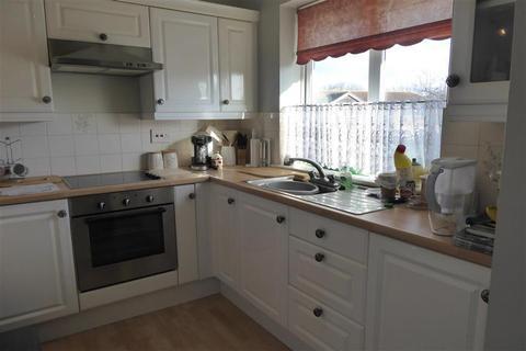 2 bedroom flat for sale - Sutherland Drive, Birchington, Kent