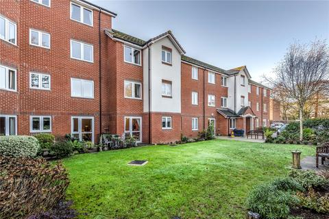 2 bedroom apartment for sale - Laburnum Court, 9 Harefield Road, Uxbridge, Middlesex, UB8