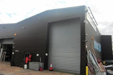 Industrial unit to rent - Hurrican Way, Wickford, Essex