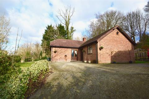 3 bedroom detached bungalow for sale - Rhododendron Avenue, Meopham, Gravesend