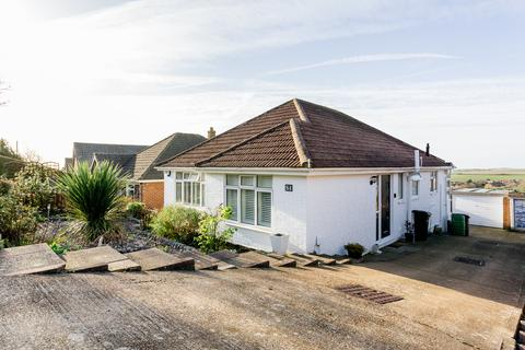 3 bedroom detached bungalow for sale - Crescent Drive North, Brighton