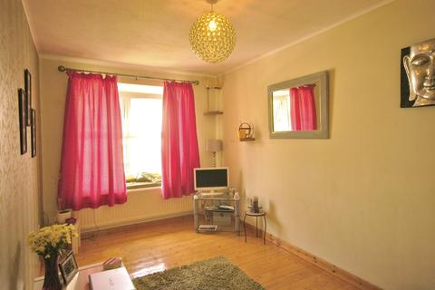 2 bedroom flat to rent - Bakers Court, Clive Road, Canton