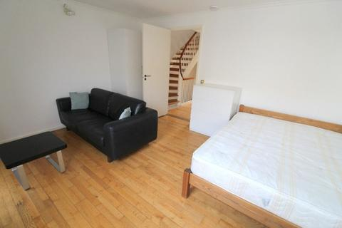 1 bedroom house share to rent -  Rope Street,  Canada Water, SE16