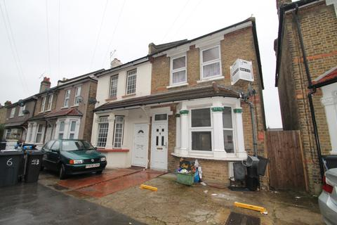 1 bedroom house share to rent -  Cavendish Road,  Croydon, CR0