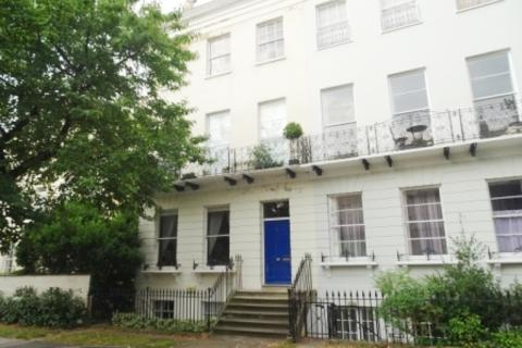 Studio to rent - Pittville Lawn, Pittville , Cheltenham GL52