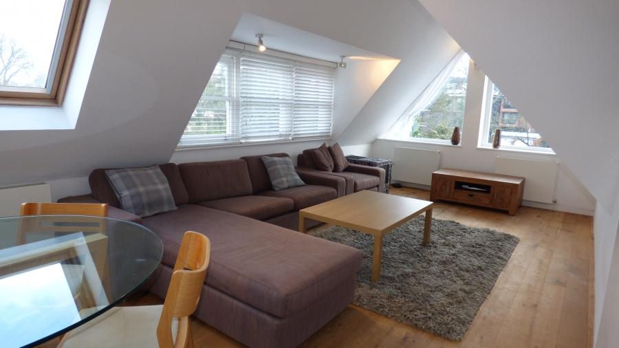 2 Bedroom Top (2nd) Floor Flat for rent