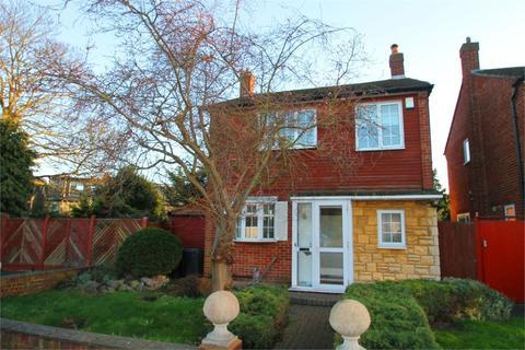 3 bedroom detached house to rent - Beverley Close, N21