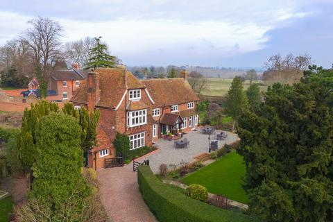 6 bedroom manor house for sale - High Street, Whitchurch
