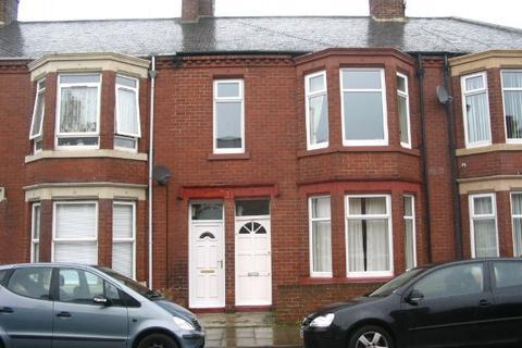 3 bedroom apartment to rent - Alverthorpe Street,  South Shields,  NE33 4BJ