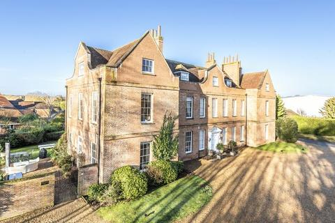 5 bedroom manor house for sale - Cobbett Hill Road, Guildford