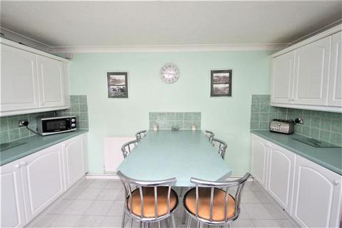 4 bedroom house for sale - Fletching Close, Brighton, East Sussex, BN2 5LU