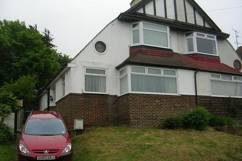 6 bedroom semi-detached house to rent - Bevendean Crescent, Brighton