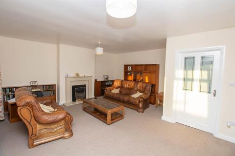 2 bedroom semi-detached bungalow for sale - Hedworth Lane, Jarrow