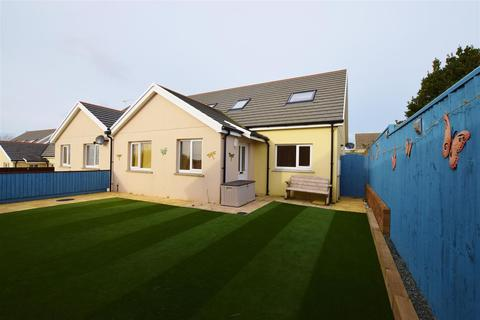 4 bedroom semi-detached bungalow for sale - Milford Haven