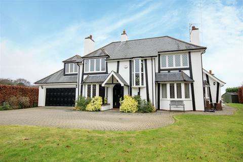 5 bedroom detached house for sale - The Fairway, Elveley Drive, West Ella