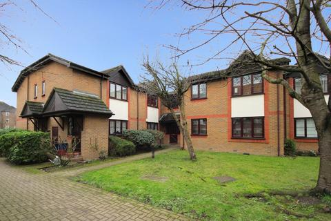 1 bedroom ground floor flat to rent - Boston Manor Road, TW8