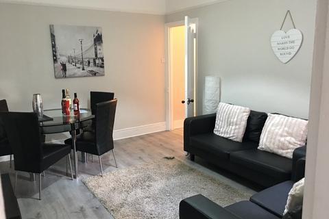 3 bedroom apartment to rent - Tavistock Road, Jesmond