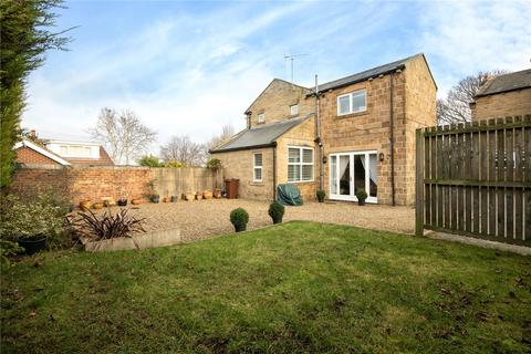 3 bedroom detached house for sale - Back Lane, Drighlington, BD11