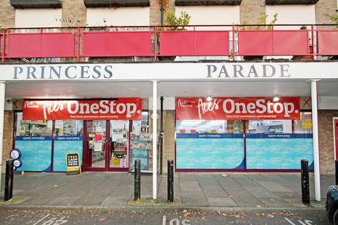 Property to rent - Princess Parade, Crofton Road, BR6