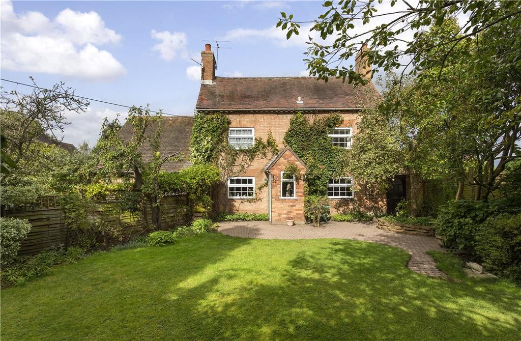 3 Bedrooms Detached House for sale in Snitterfield Street, Hampton Lucy, Warwick, Warwickshire, CV35