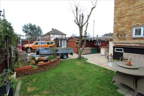 2 bedroom maisonette for sale - The Square Iceni Way, Shrub End, Colchester