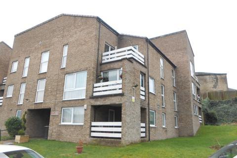 2 bedroom flat to rent - Frizley Gardens, Frizinghall, Bradford BD9