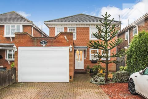 4 bedroom detached house for sale - Canvey Island