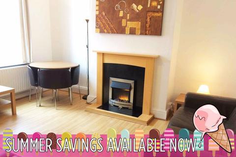 4 bedroom house share to rent - Glebe Avenue, Kirkstall, Leeds, LS5 3HN