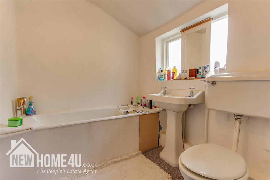 Family bathroom: