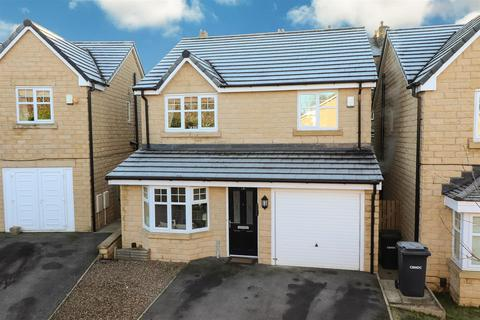 4 bedroom detached house for sale - Cyprus Gardens, Thackley, BD10