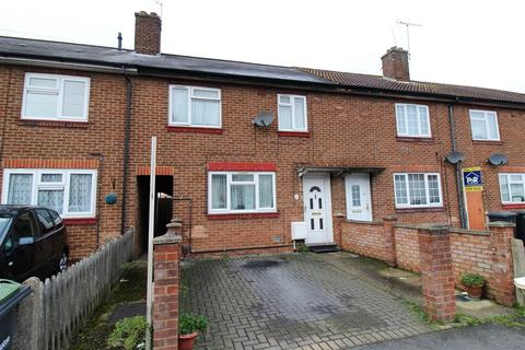 3 bedroom terraced house for sale - Solway Road South, Luton