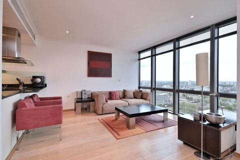 2 bedroom flat to rent - No 1 West India Quay, 26 Hertsmere Road, London, E14