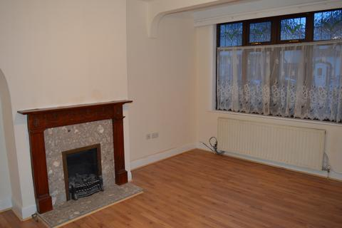 4 bedroom terraced house to rent -  Eccleston Crescent,  Romford, RM6