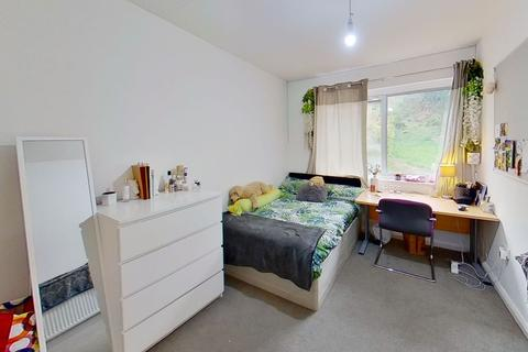 5 bedroom terraced house to rent - Guildford Park Avenue, Guildford, Surrey GU2 7NN