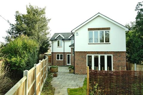 5 bedroom detached house for sale - New Road, Great Baddow, Chelmsford, Essex, CM2