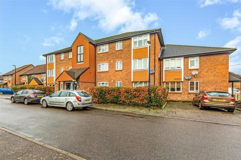 2 bedroom flat for sale - Atterbury Close, Westerham