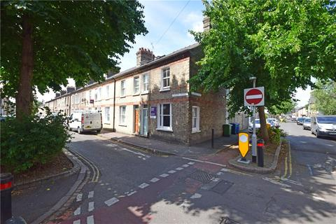 4 bedroom end of terrace house to rent - Thoday Street, Cambridge, CB1