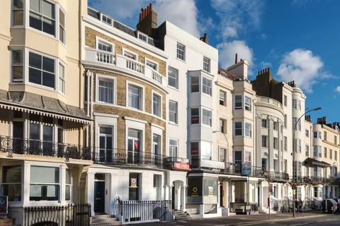 2 bedroom flat to rent - 24 Old Steine, Brighton