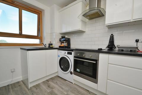 2 bedroom flat for sale - Sterte