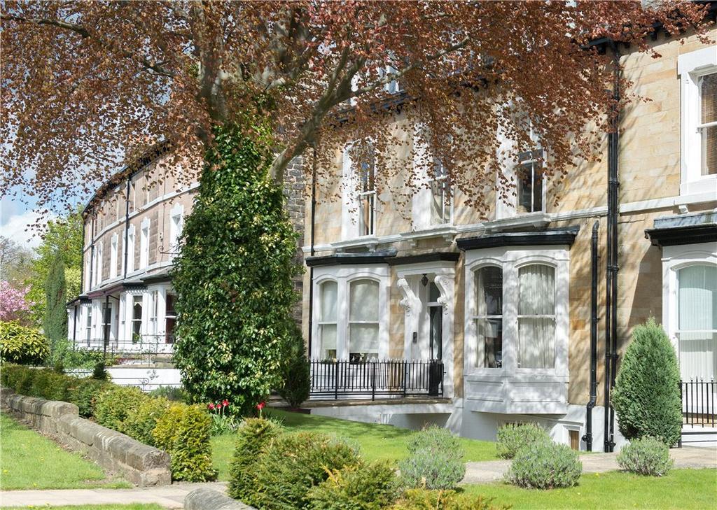 3 Bedrooms Flat for sale in Swan Road, Harrogate, North Yorkshire, HG1