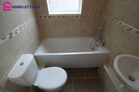 2 bedroom flat to rent - Deckham Terrace, Deckham, Gateshead, NE8